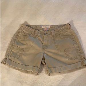 Levi's Medium-Weight Khaki Cargo Shorts Size 10